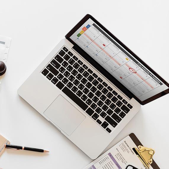 Macbook og kontorutstyr